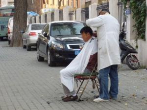 路上散髪屋さん